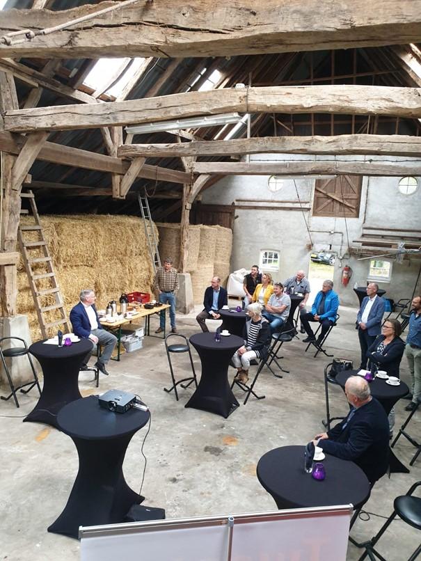 Gedeputeerde provincie Overijssel brengt werkbezoek aan Noordoost Twente